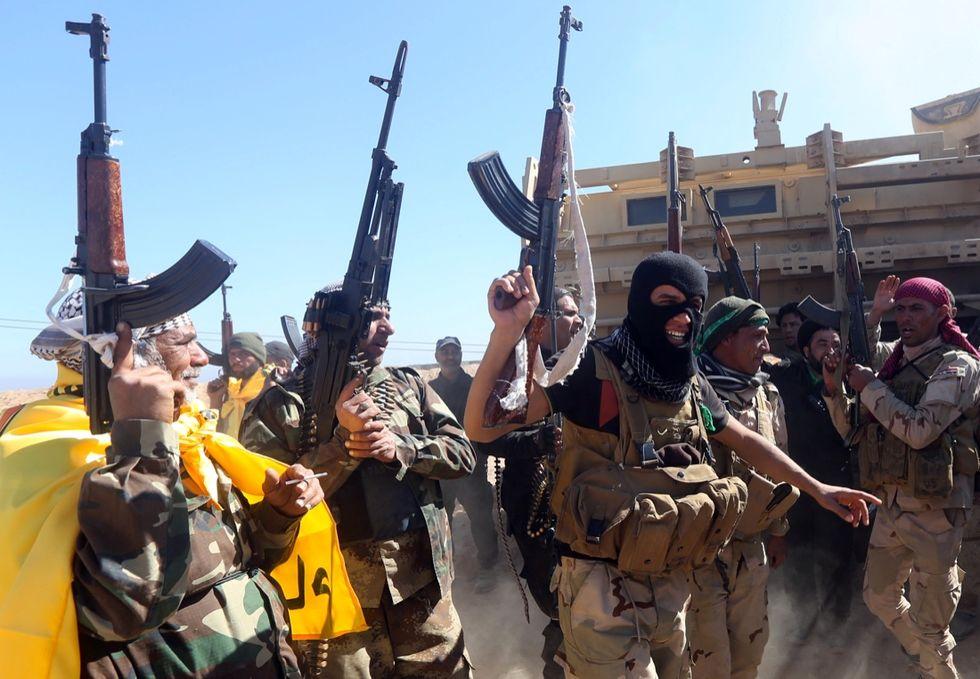 Isis, l'esercito non sfonda a Tikrit