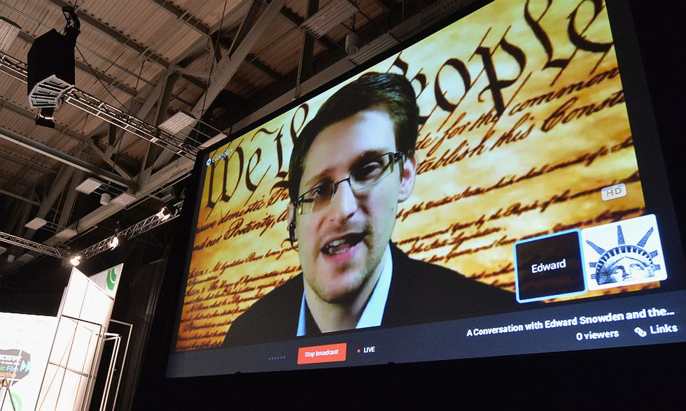 """Parla Snowden: """"Europa al servizio della NSA"""""""