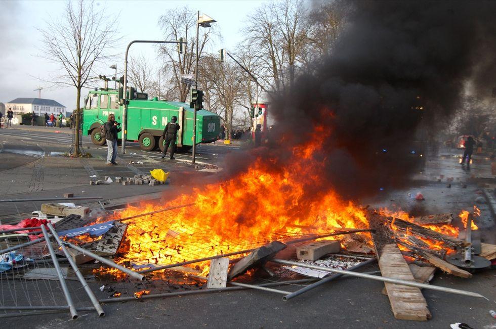 Francoforte, scontri all'inaugurazione della sede Bce, le foto