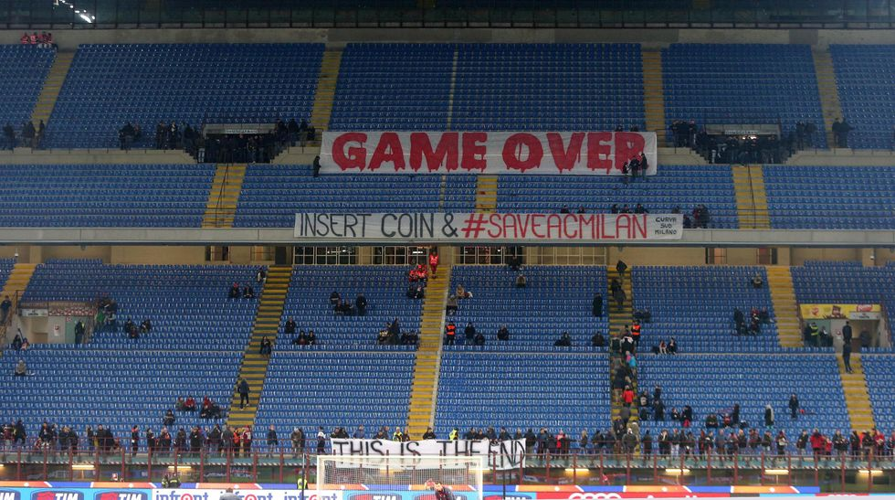 """Striscioni e silenzio, la notte (vincente) del Milan: """"Game over"""""""