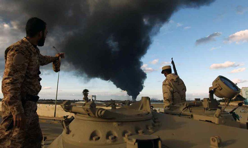 Libia, un'ordinaria giornata di bombe e dialogo