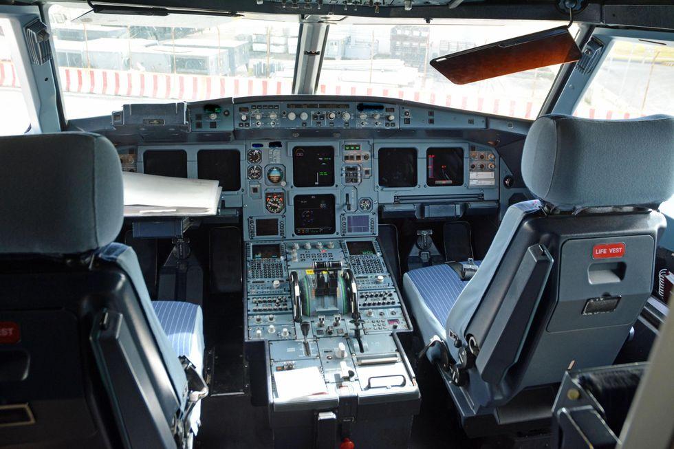 Airbus Germanwings, un pilota spiega cosa può essere accaduto