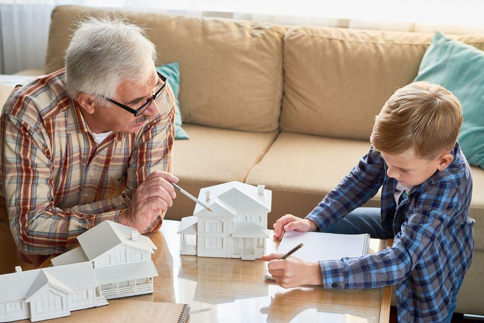 """Ecco quanto vale l'""""aiuto"""" dei nonni in casa"""