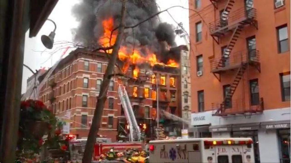 New York, paura a Manhattan per l'esplosione di una palazzina