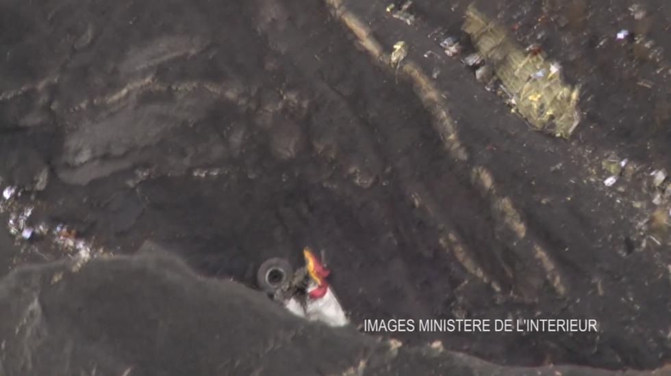 Airbus Germanwings: le prime immagini del luogo dello schianto