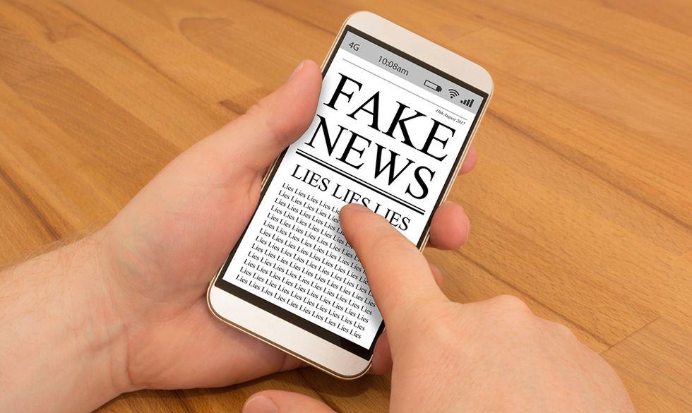 Fake News on a Smartphone