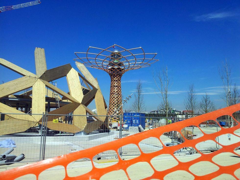 Expo, le foto dei cantieri a un mese dal via