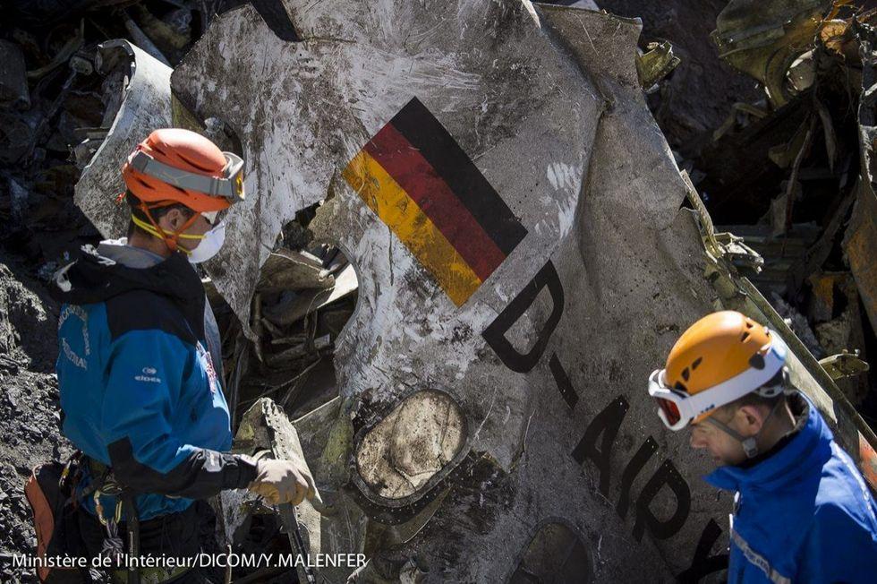 Airbus Germanwings: il recupero delle vittime - LE FOTO