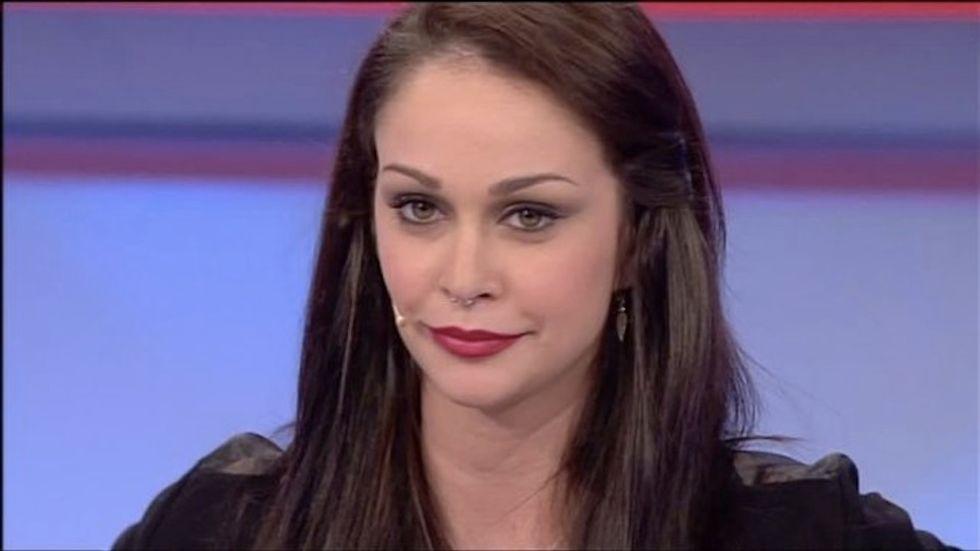 Uomini e Donne: doppio bacio per Valentina, scintille con Gianluca