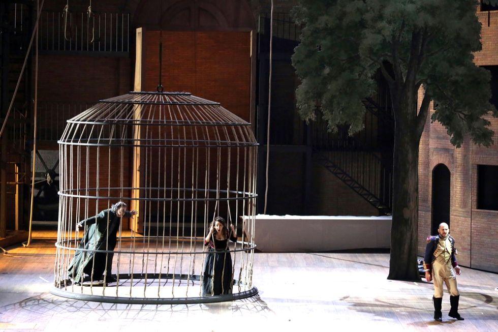 Evviva, la Gazza vola ancora alla Scala
