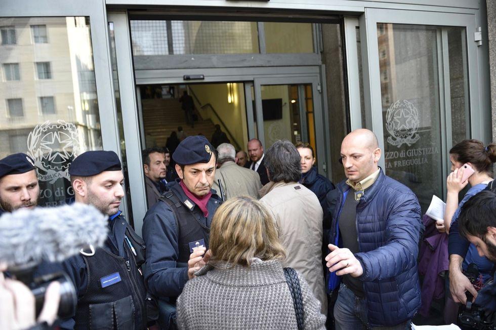 Tribunale di Milano: come è possibile entrare con una pistola