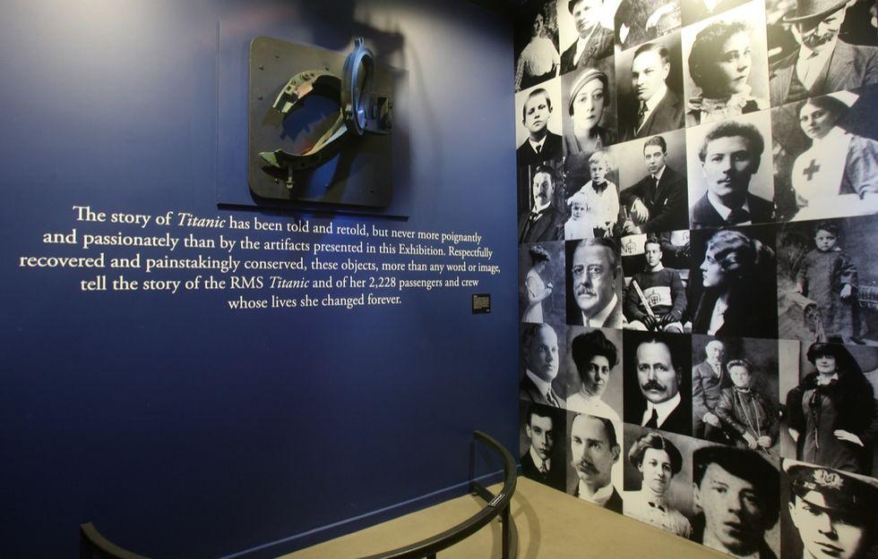 Porthole_Entrance Gallery_Titanic
