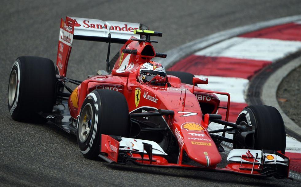 Gp Cina, qualifiche: Hamilton pole, Vettel terzo