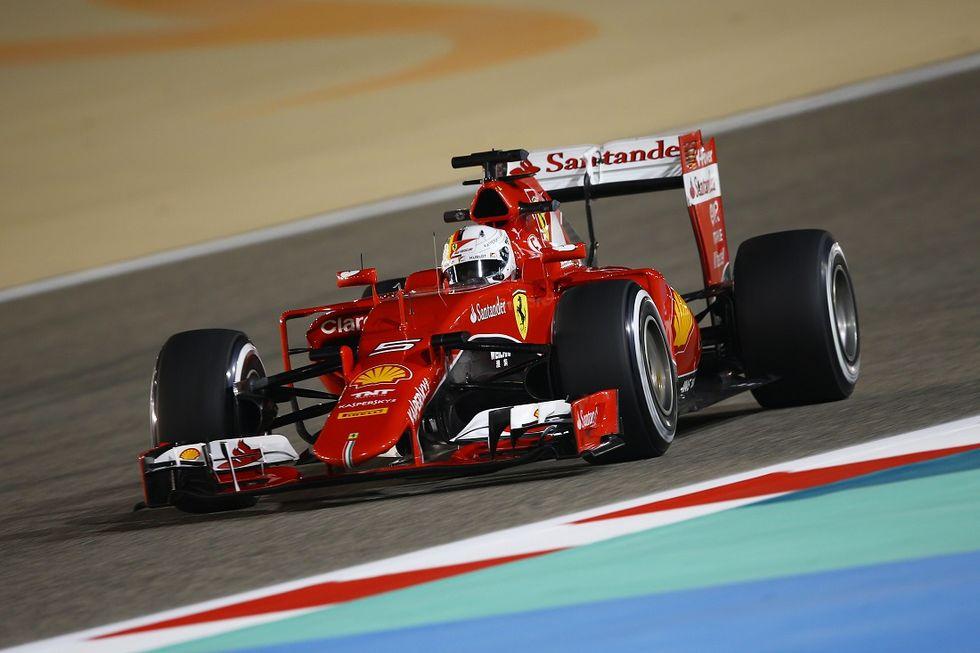 Gp Bahrein, qualifiche: pole Hamilton, Vettel secondo