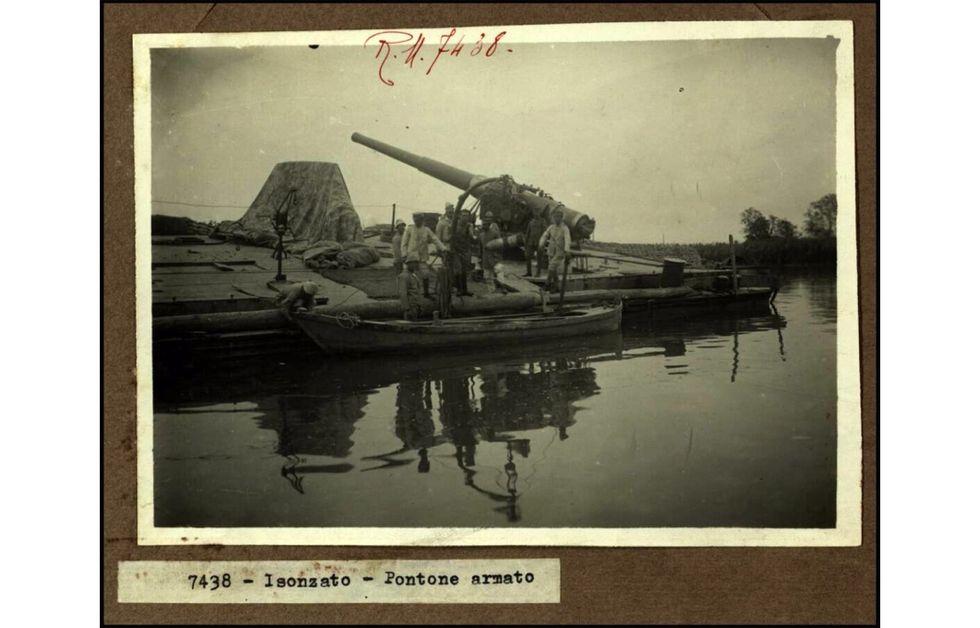 La Grande Guerra delle chiatte: i pontoni armati nella Laguna Veneta (1917-18)