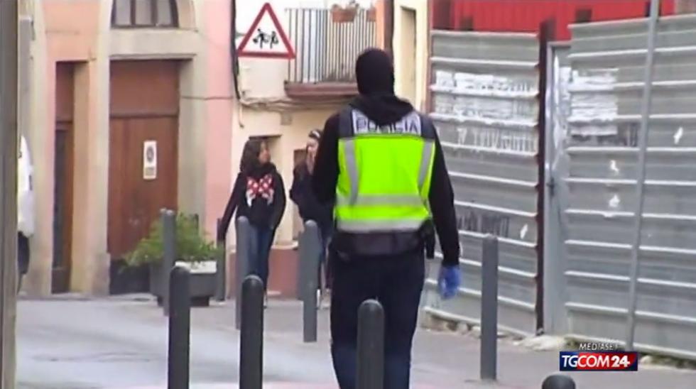 Barcellona: studente uccide prof. con una balestra