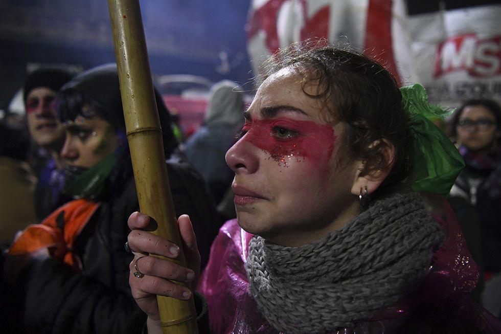 No all'aborto legale e gratuito in Argentina. La delusione degli attivisti
