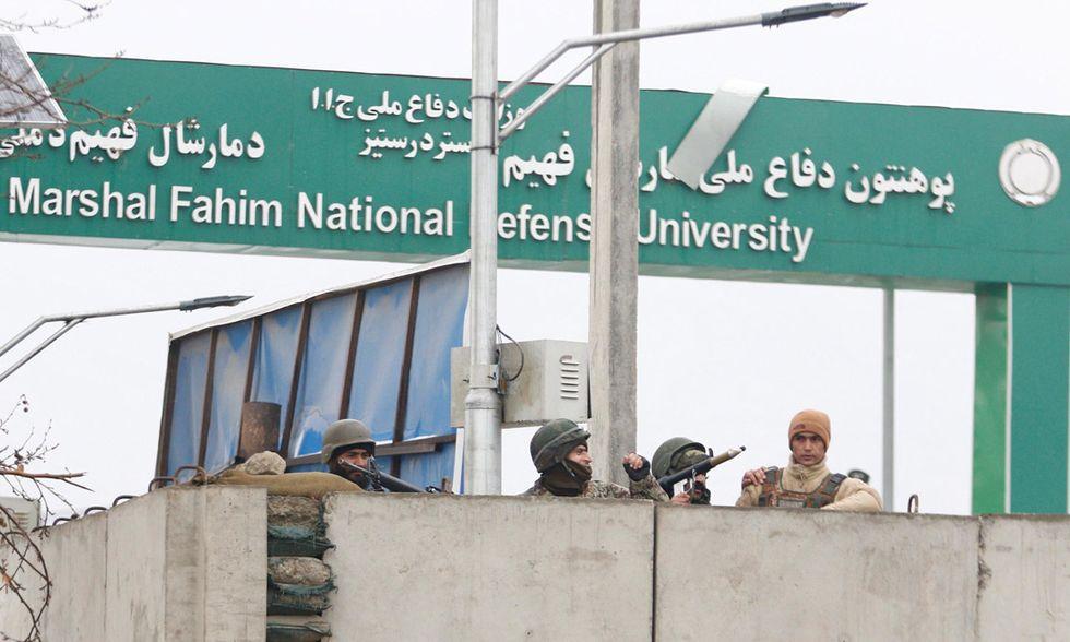 Afghanistan: Kabul sotto attacco. L'Isis, i talebani e il terrore - Foto