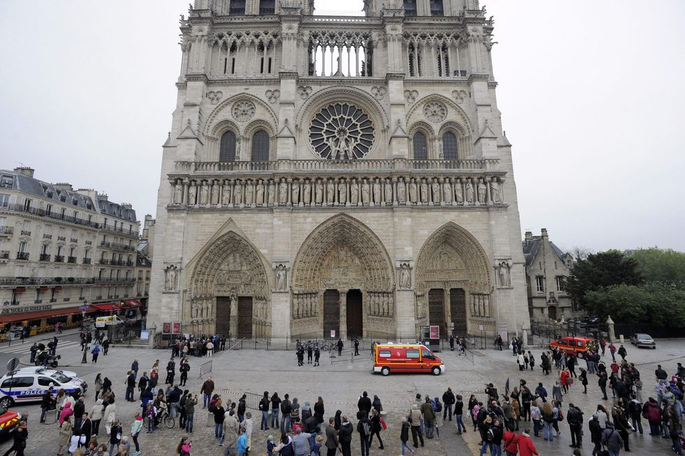Parigi, arrestato terrorista: progettava attentati contro alcune chiese