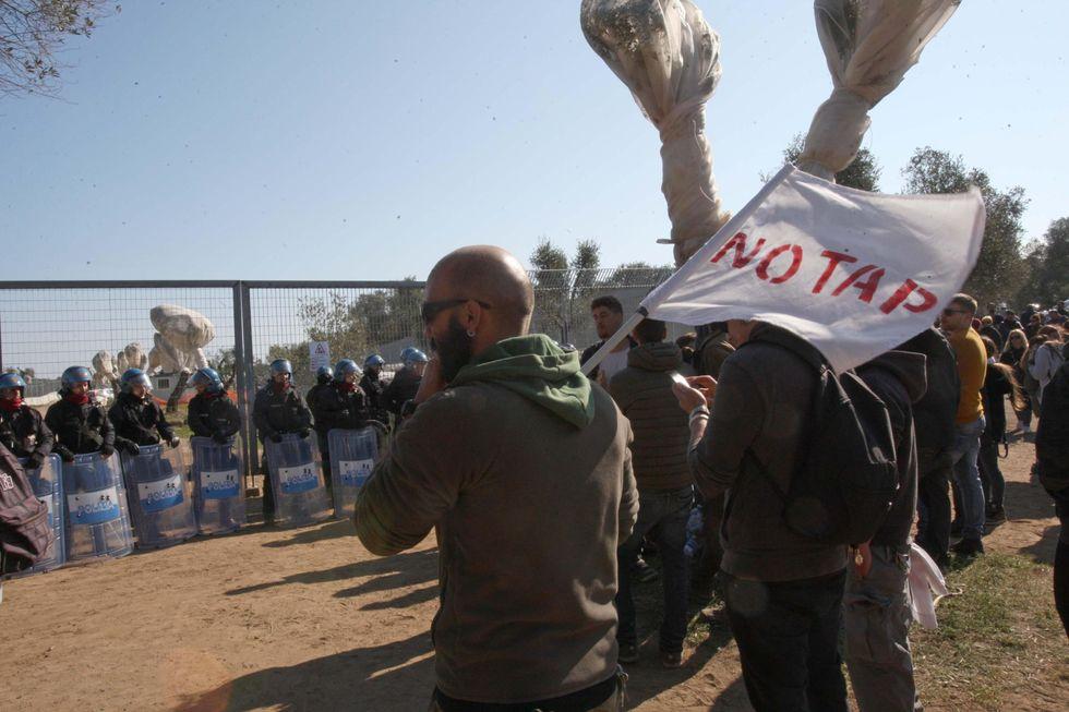 proteste no Tap Movimento 5 Stelle
