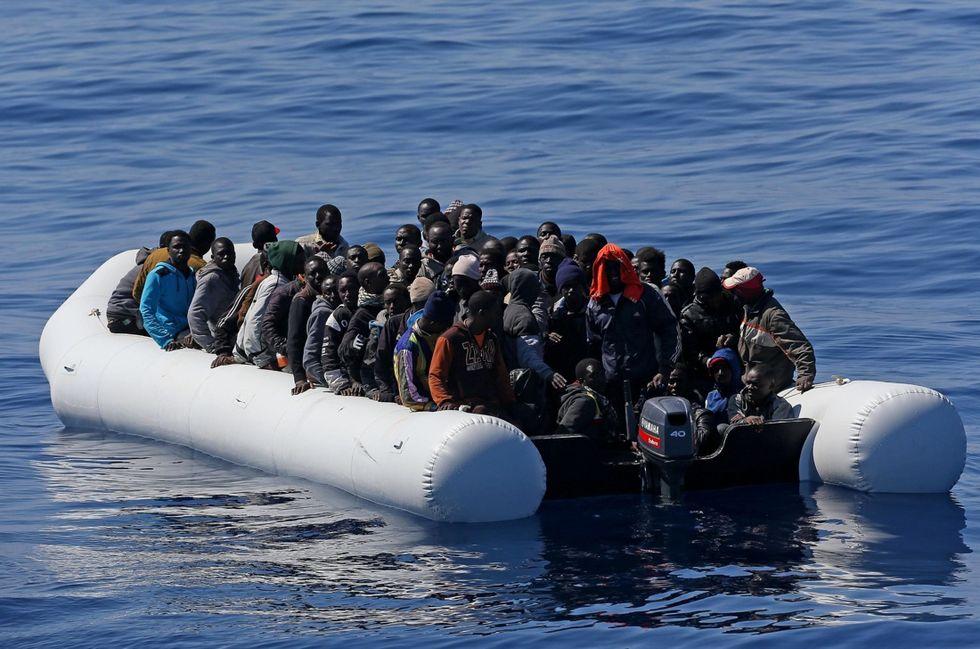 Affonda barcone diretto in Italia: 13 morti