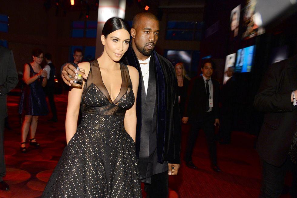 Kanye West regala orecchini da 45.000 dollari a Kim Kardashian