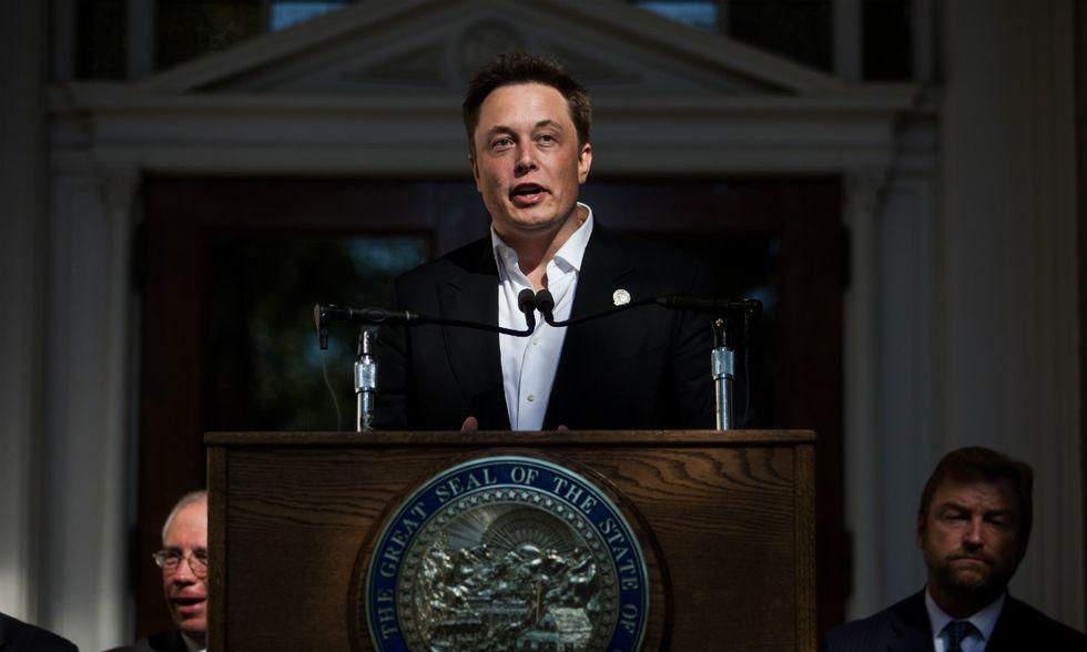 Batterie per la casa, l'ultimo scoop di mister Tesla