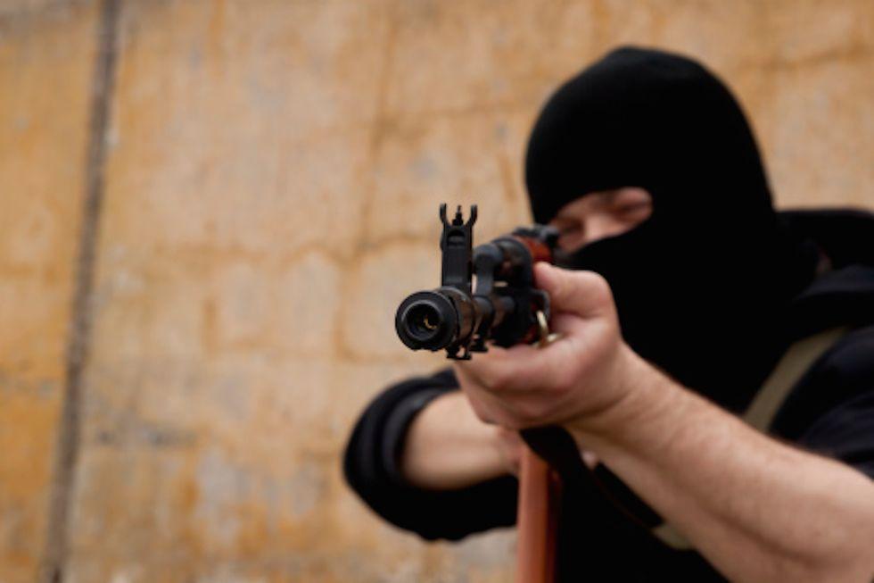 """Kalashnikov si riposiziona come """"arma della pace"""""""