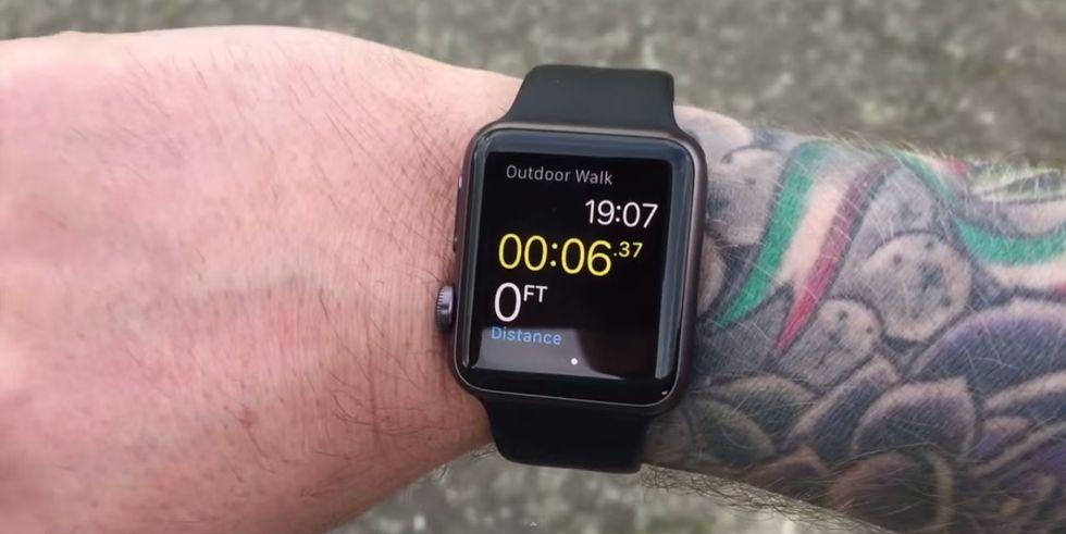 Tatoogate, ecco perché Apple Watch non va d'accordo con i polsi tatuati