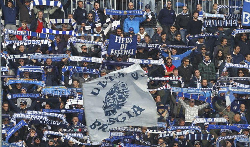 Brescia, agguato ultras a pullman di tifosi: ferito ragazzo di 12 anni