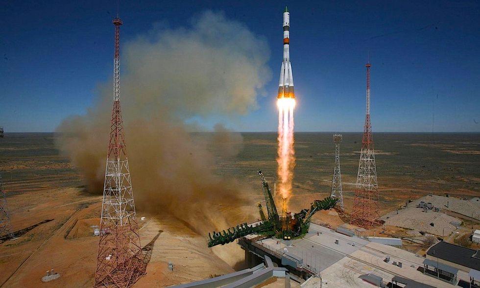 La navicella russa Progress precipita verso la terra