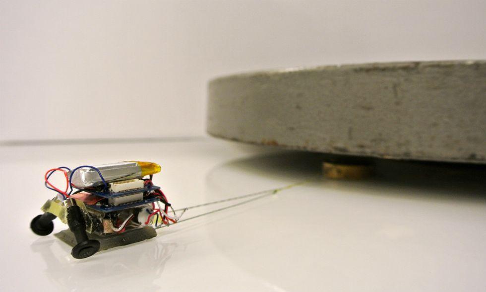 MicroTug, il mini robot è forzutissimo