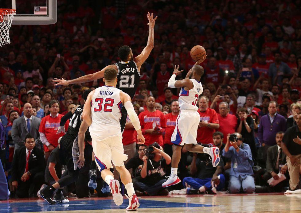 Gli Spurs battuti da Paul sulla sirena. Clippers avanti nei playoff