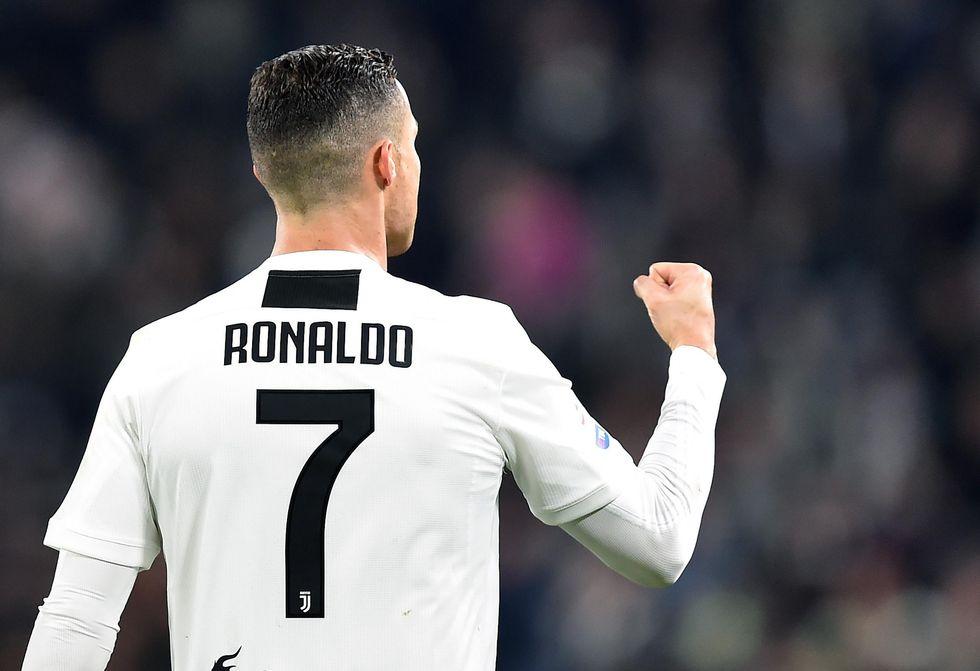 juventus ronaldo contratto accordo rinnovo record cifre