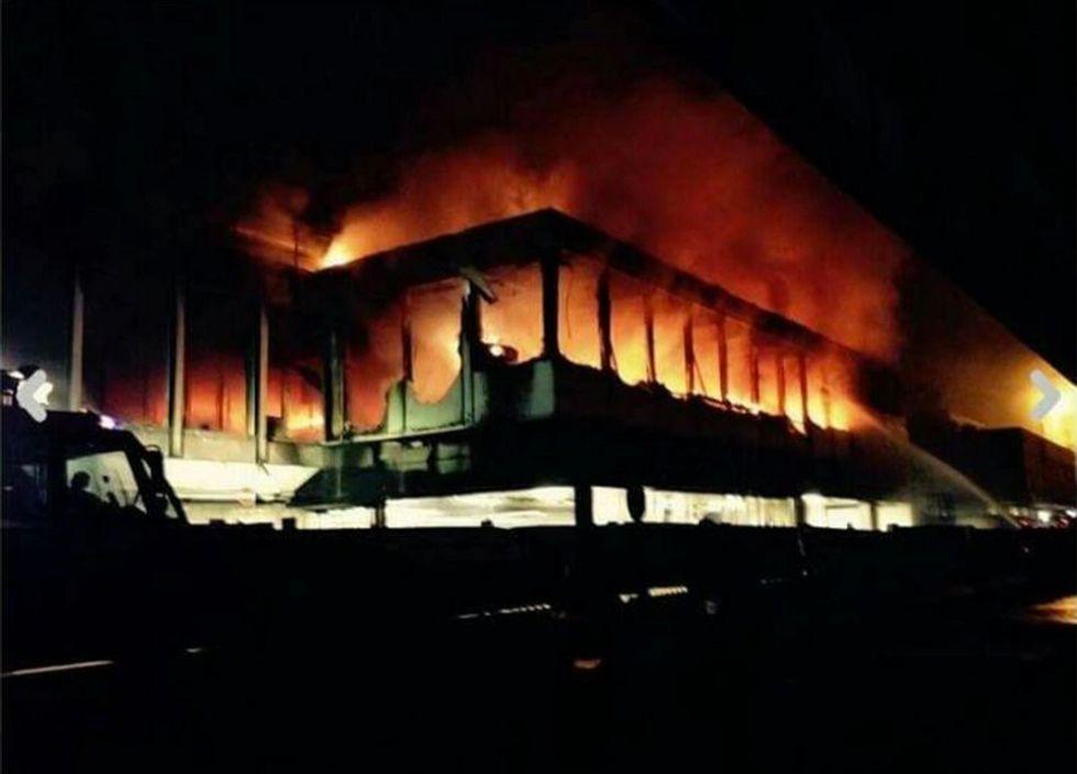 Fiumicino: incendio blocca l'aeroporto