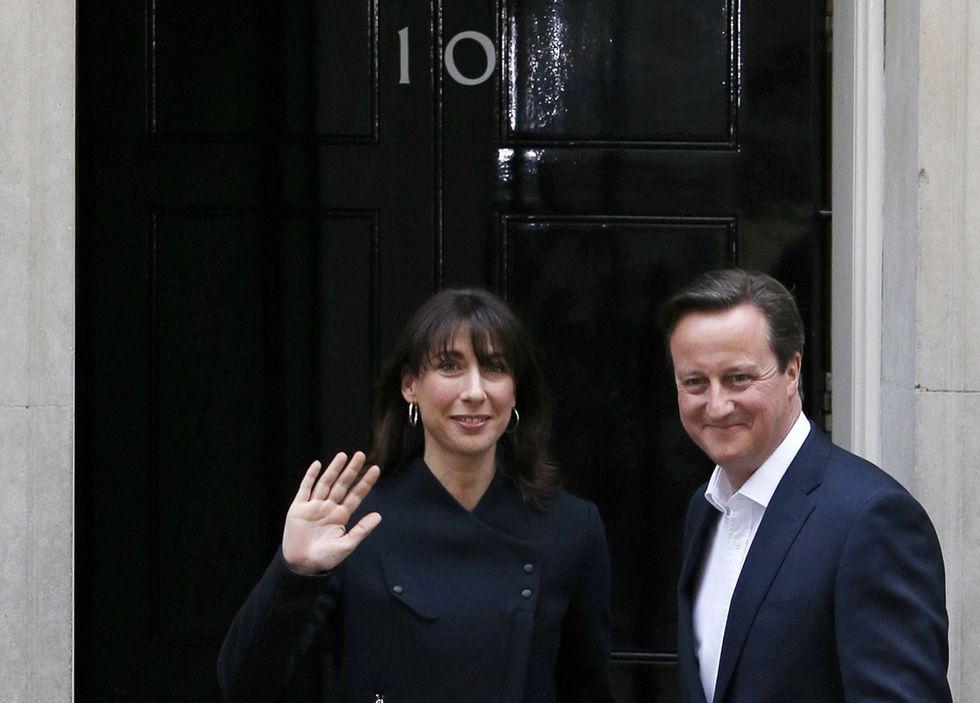 Cameron taglia le tasse e sforbicia il welfare