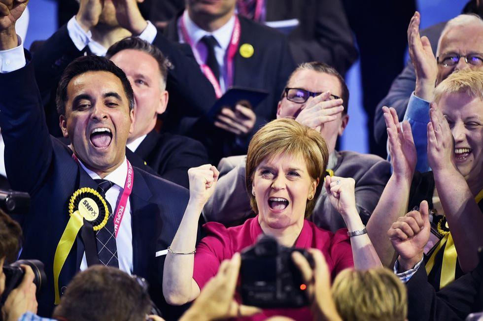 """Gran Bretagna: un """"futuro luminoso"""" per Cameron (e la Scozia)"""