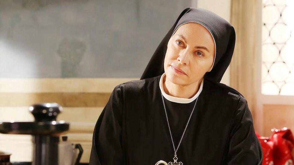 Elena Sofia Ricci Che Dio ci aiuti 5