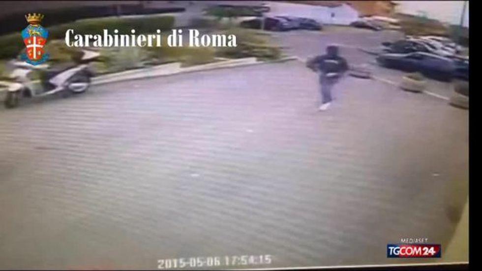 Roma: carabiniere fuori servizio sventa una rapina