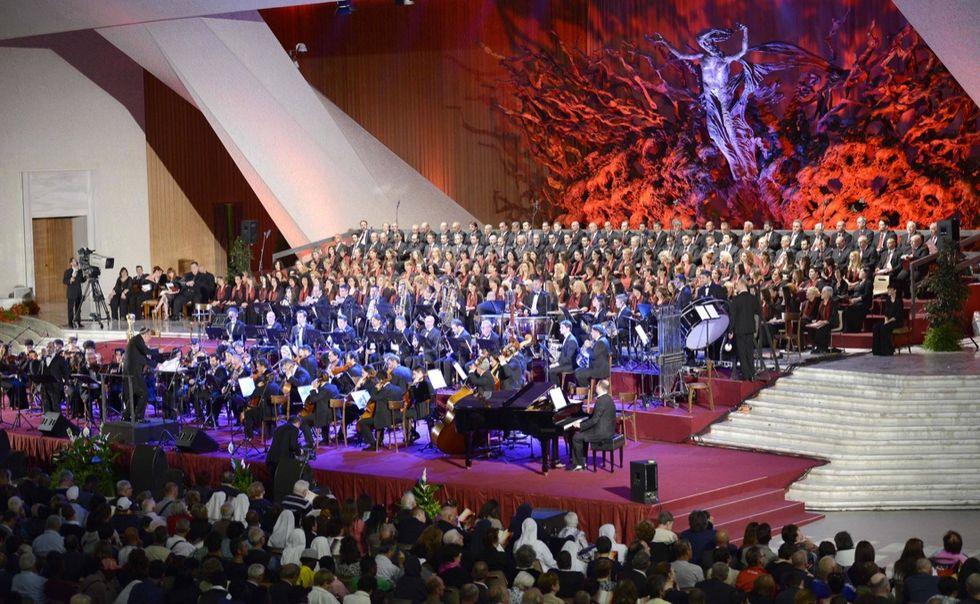 Il concerto per i poveri voluto da Papa Francesco - Le foto