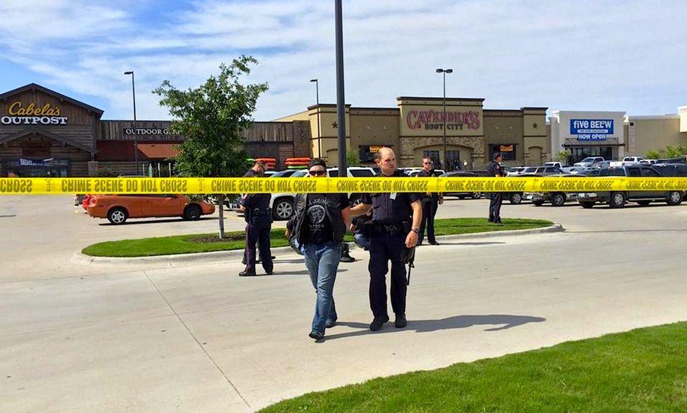 Waco, Texas: 9 morti e 192 arresti per una sparatoria tra bande di motociclisti