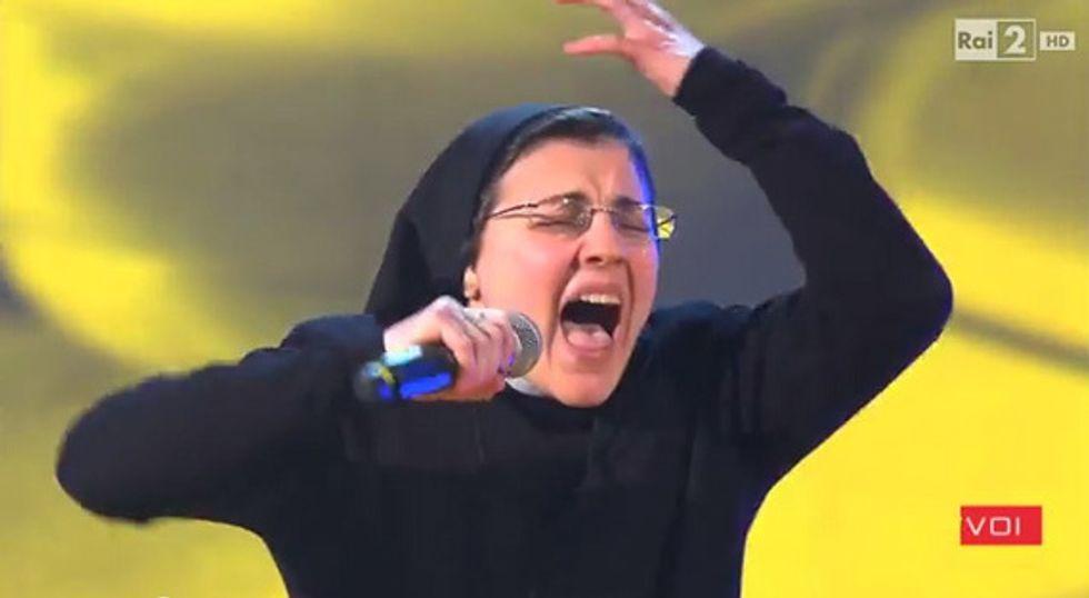 """Ascolti 26/3: Suor Cristina fa volare """"The Voice"""""""