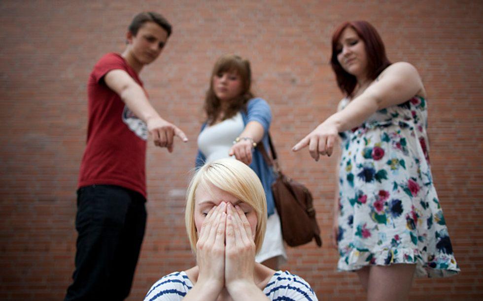 Facebook: cosa fare per prevenire il bullismo