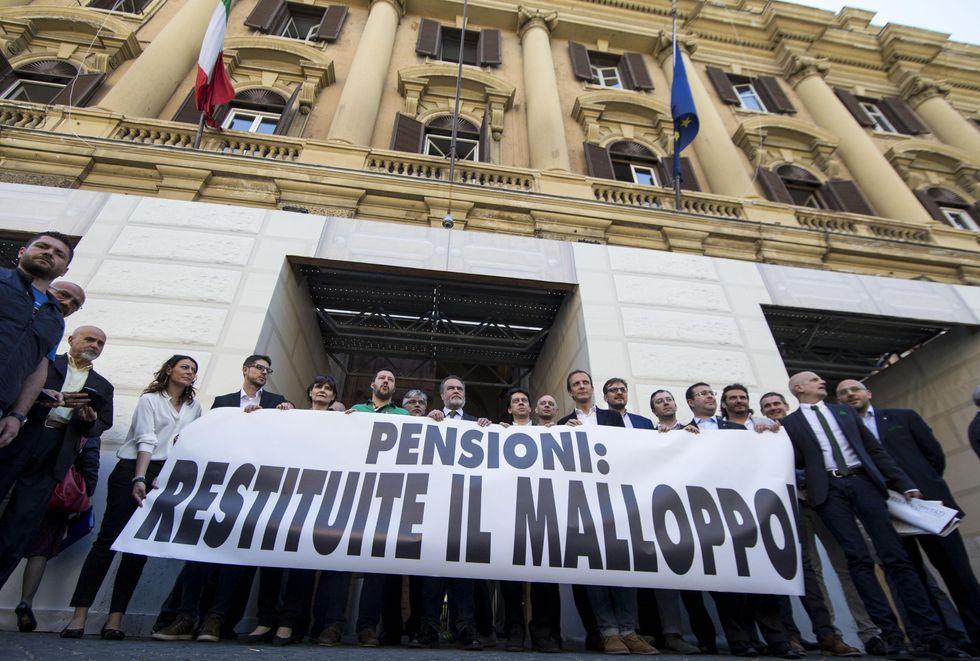 Pensioni e rimborsi, come fare ricorso contro il governo