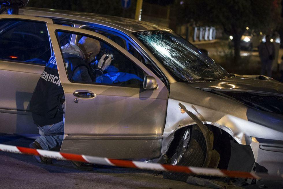 Roma: auto pirata travolge la folla
