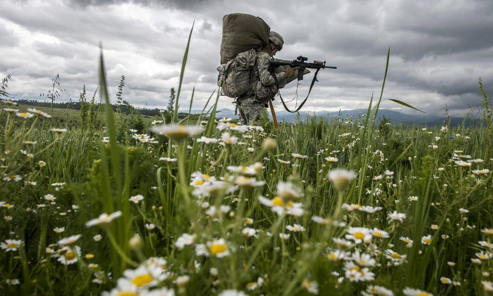Paracadutisti in addestramento in Kosovo