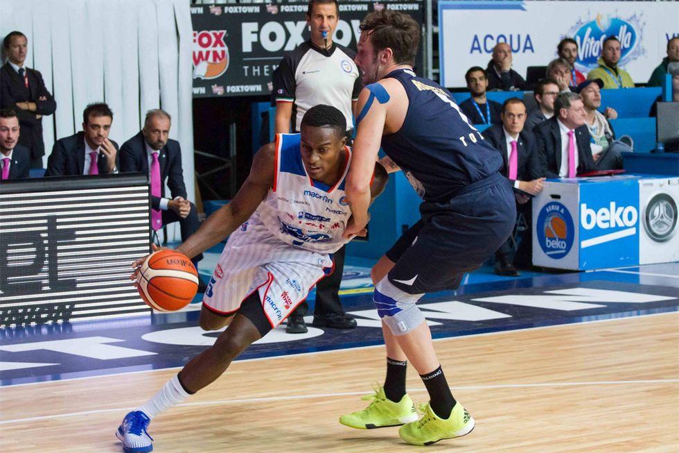 Basket, 4a giornata Serie A: Pistoia capolista, Abass (Cantù) Mvp