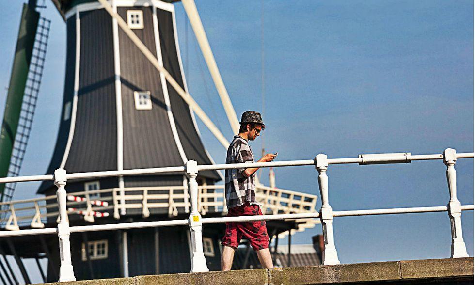 Roaming cellulari nella Ue: ecco le nuove regole