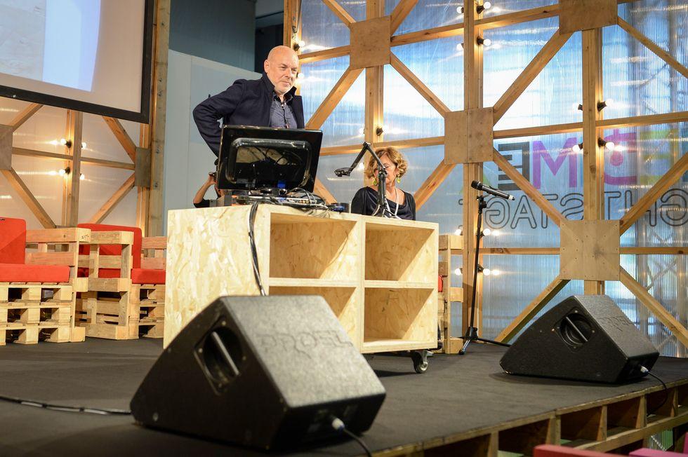"""Brian Eno al Medimex: """"L'arte mi è servita per non lavorare"""""""