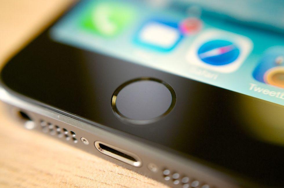 iPhone, Apple brevetta la modalità panico con Touch ID